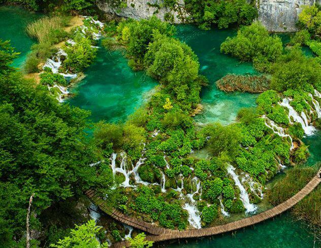 مناطق زیباو شگفت انگیز دنیا